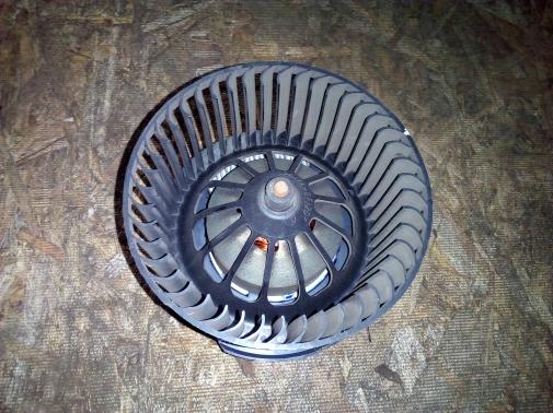 Моторчик вентилятора печки